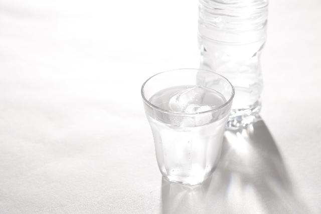 朝一杯の白湯の効果!